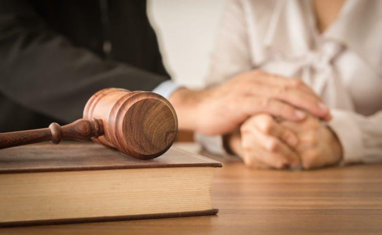 tale immobile stipulato tra l'altro coniuge proprietario esclusivo ed un terzo, è a questi opponibile ai sensi dell'articolo 155 quater c.c. e della disposizione dell'articolo 6, comma 6,